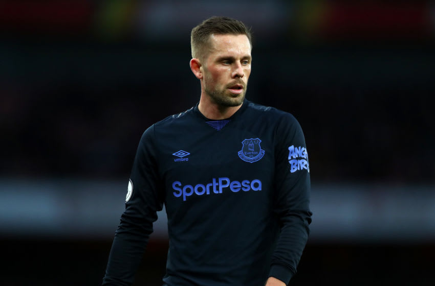 LONDON, ENGLAND - FEBRUARY 23: Gylifi Sigurdsson of Everton during the Premier League match between Arsenal FC and Everton FC at Emirates Stadium on February 23, 2020 in London, United Kingdom. (Photo by Chloe Knott - Danehouse/Getty Images)