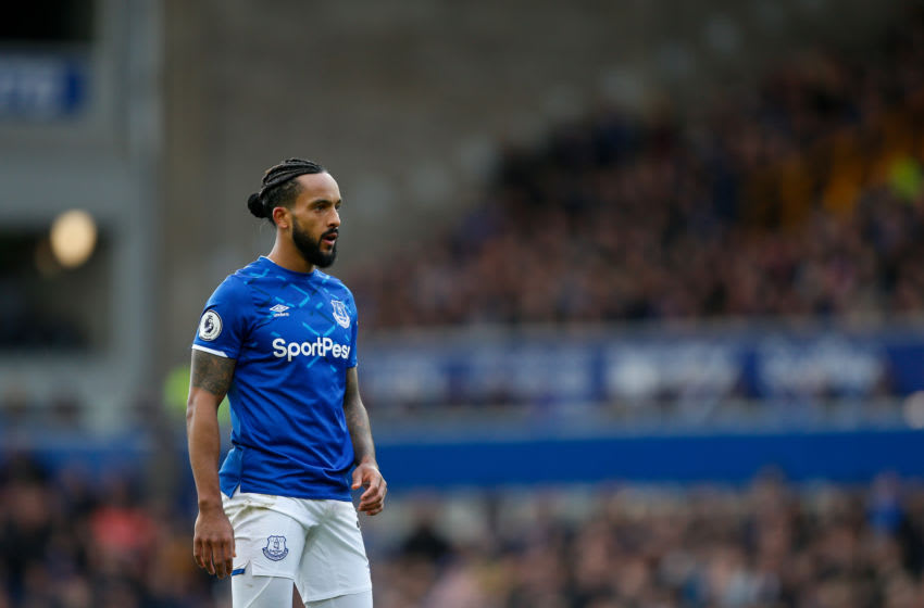 LIVERPOOL, ENGLAND - MARCH 01: Theo Walcott of Everton FC during the Premier League match between Everton FC and Manchester United at Goodison Park on March 1, 2020 in Liverpool, United Kingdom. (Photo by Ben Early - AMA/Getty Images)