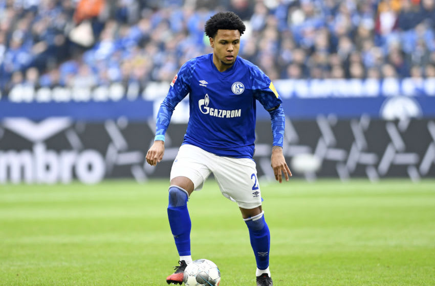 GELSENKIRCHEN, GERMANY - MARCH 07: (BILD ZEITUNG OUT) Weston McKennie of FC Schalke 04 controls the ball during the Bundesliga match between FC Schalke 04 and TSG 1899 Hoffenheim at Veltins-Arena on March 7, 2020 in Gelsenkirchen, Germany. (Photo by Ralf Treese/DeFodi Images via Getty Images)