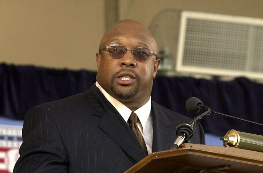 (FILES) Baseball Hall of Fame inductee Kirby Puckett gives his acceptance speech during induction ceremonies in Cooperstown, NY on 05 August, 2001. The Minnesota Twins announced 05 March, 2006 that Hall of Fame outfielder Kirby Puckett has suffered a stroke and is undergoing surgery. The Twins said Puckett, a longtime star center fielder for the team, suffered the stroke Sunday morning at his home in Scottsdale, Arizona. AFP PHOTO/Henny Ray ABRAMS (Photo by HENNY RAY ABRAMS / AFP) (Photo by HENNY RAY ABRAMS/AFP via Getty Images)