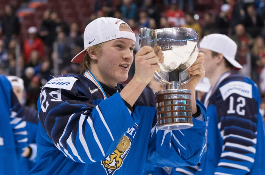 VANCOUVER, BC - JANUARY 5: Anton Lundell #29 of Finland with the championship trophy after defeating the United States in the Gold Medal game of the 2019 IIHF World Junior Championship on January, 5, 2019 at Rogers Arena in Vancouver, British Columbia, Canada. (Photo by Rich Lam/Getty Images)