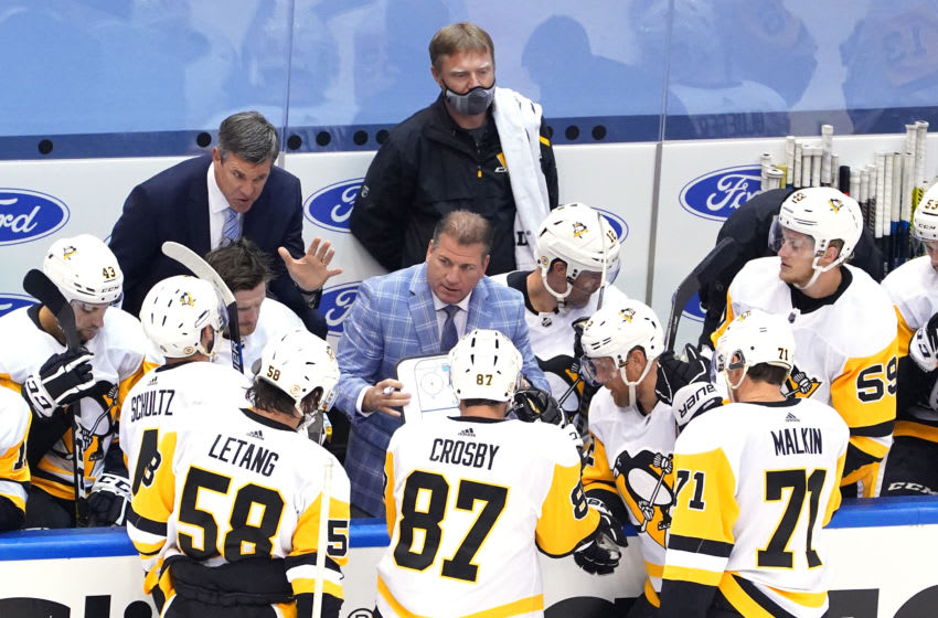Head coach Mike Sullivan of the Pittsburgh Penguins (Photo by Andre Ringuette/Freestyle Photo/Getty Images)