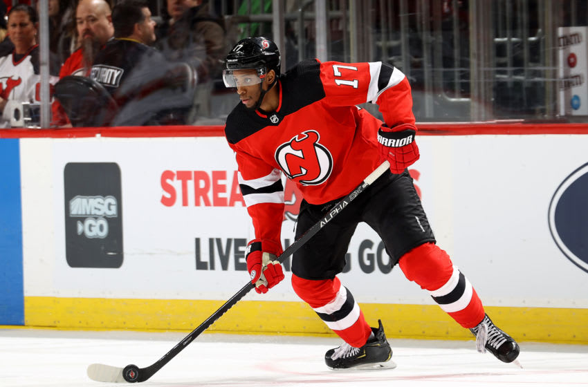 NEWARK, NEW JERSEY - FEBRUARY 11: Wayne Simmonds #17 of the New Jersey Devils takes the puck in the third period against the Florida Panthers at Prudential Center on February 11, 2020 in Newark, New Jersey.The Florida Panthers defeated the New Jersey Devils 5-3. (Photo by Elsa/Getty Images)
