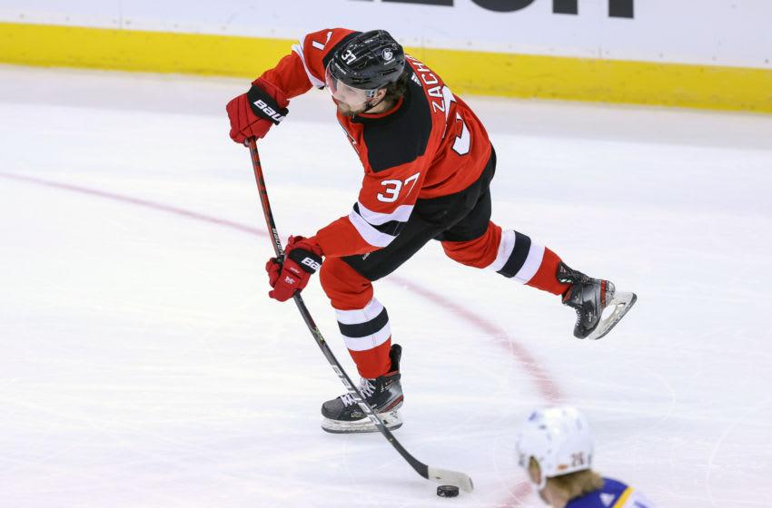 New Jersey Devils center Pavel Zacha (37): (Vincent Carchietta-USA TODAY Sports)