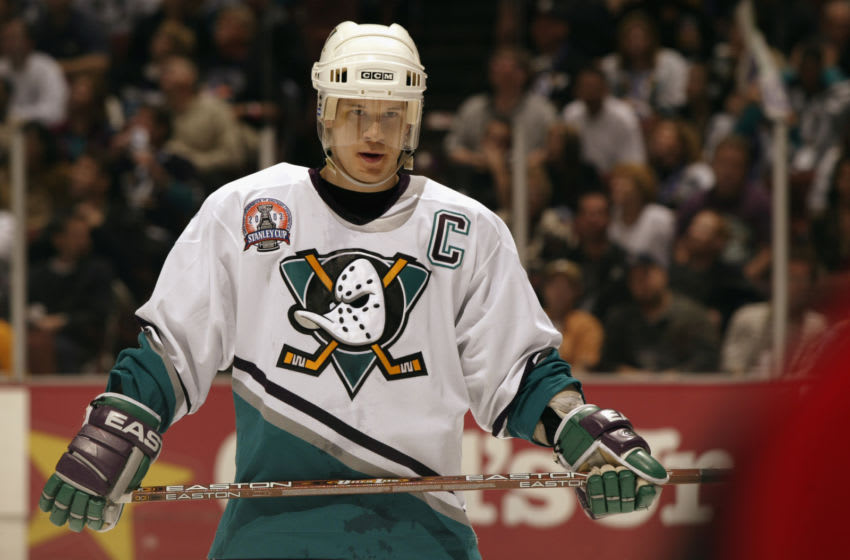 ANAHEIM, CA - JUNE 7: Paul Kariya #9 of the Anaheim Mighty Ducks (Photo by: Brian Bahr/Getty Images/NHLI)