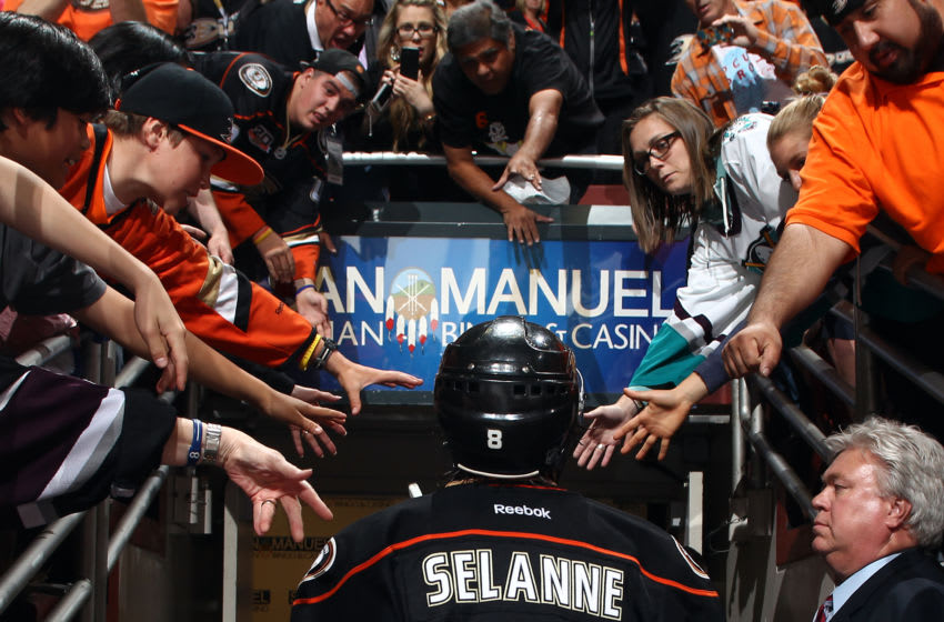 ANAHEIM, CA - MAY 16: Teemu Selanne #8 of the Anaheim Ducks leaves the ice after the game against the Los Angeles Kings in Game Seven of the Second Round of the 2014 Stanley Cup Playoffs at Honda Center on May 16, 2014 in Anaheim, California. (Photo by Debora Robinson/NHLI via Getty Images)