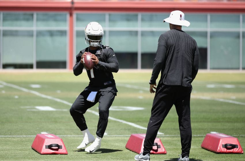 TEMPE, ARIZONA - MAY 29: Quarterback Kyler Murray #1 of the Arizona Cardinals practices alongside head coach Kliff Kingsbury during team OTA's at the Dignity Health Arizona Cardinals Training Center on May 29, 2019 in Tempe, Arizona. (Photo by Christian Petersen/Getty Images)
