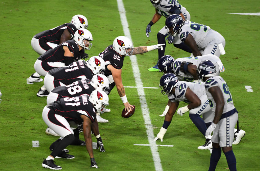 GLENDALE, ARIZONA - OCTOBER 25: Mason Cole #52 of the Arizona Cardinals points to the defense prior to snapping the ball against the Seattle Seahawks at State Farm Stadium on October 25, 2020 in Glendale, Arizona. (Photo by Norm Hall/Getty Images)