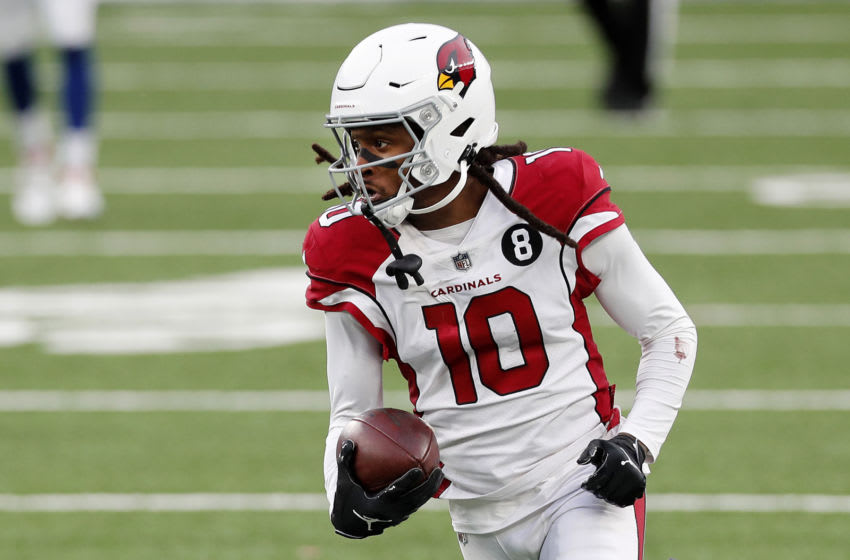 EAST RUTHERFORD, NEW JERSEY - DECEMBER 13: (NEW YORK DAILIES OUT) DeAndre Hopkins #10 of the Arizona Cardinals in action against the New York Giants at MetLife Stadium on December 13, 2020 in East Rutherford, New Jersey. The Cardinals defeated the Giants 26-7. (Photo by Jim McIsaac/Getty Images)
