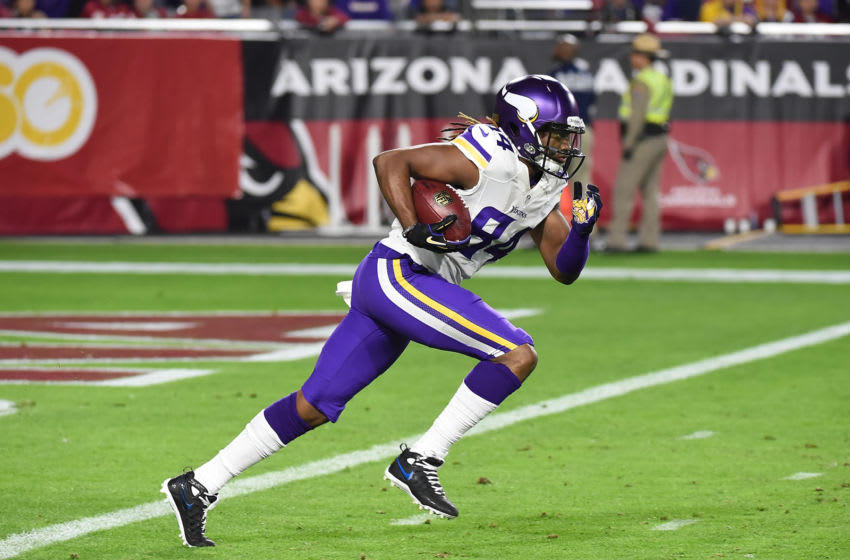 GLENDALE, AZ - DECEMBER 10: Cordarrelle Patterson #84 of the Minnesota Vikings runs with the ball against the Arizona Cardinals at University of Phoenix Stadium on December 10, 2015 in Glendale, Arizona. (Photo by Norm Hall/Getty Images)