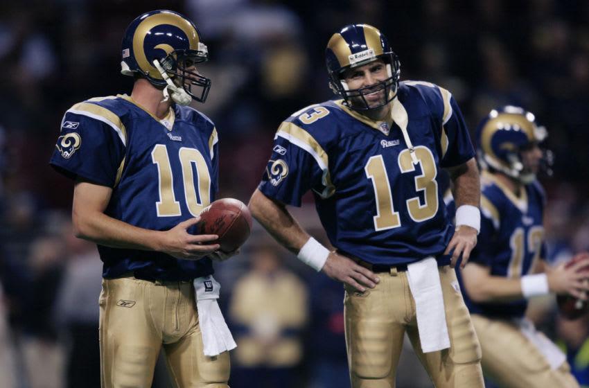 Kurt Warner, Marc Bulger, St. Louis Rams. (Photo by Elsa/Getty Images)