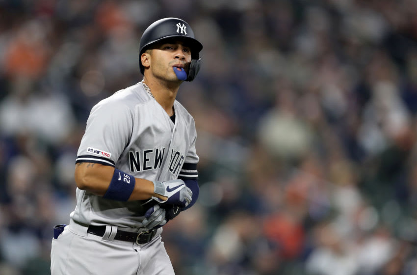 BALTIMORE, MARYLAND - APRIL 06: Gleyber Torres #25 of the New York Yankees runs to first base against the Baltimore Orioles at Oriole Park at Camden Yards on April 06, 2019 in Baltimore, Maryland. (Photo by Rob Carr/Getty Images)