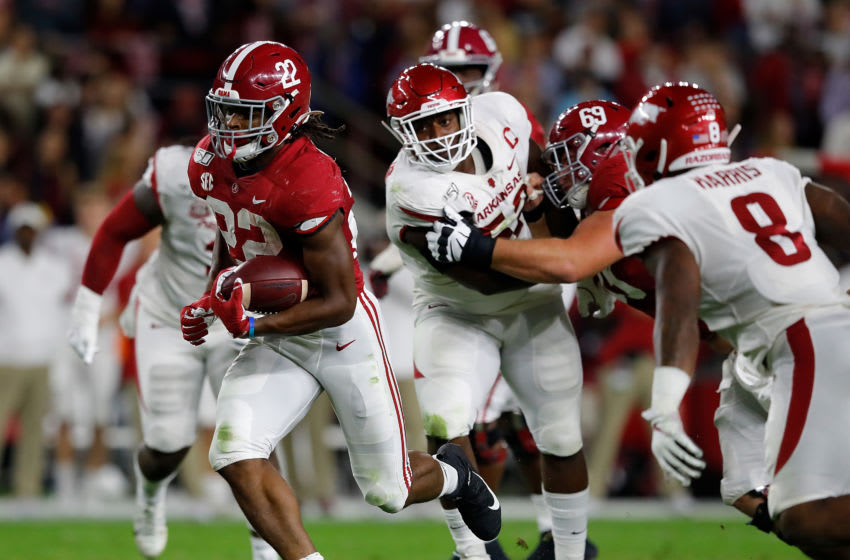TUSCALOOSA, ALABAMA - OCTOBER 26: Najee Harris #22 of the Alabama Crimson Tide rushes against the Arkansas Razorbacks in the first half at Bryant-Denny Stadium on October 26, 2019 in Tuscaloosa, Alabama. (Photo by Kevin C. Cox/Getty Images)