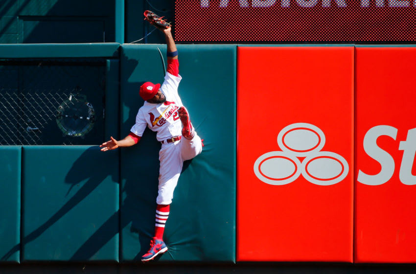 ST LOUIS, MO - SEPTEMBER 18: Dexter Fowler #25 of the St. Louis Cardinals catches a fly ball against the Washington Nationals in the eighth inning at Busch Stadium on September 18, 2019 in St Louis, Missouri. (Photo by Dilip Vishwanat/Getty Images)