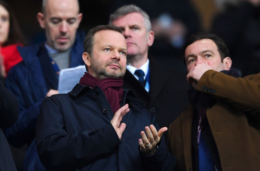 MANCHESTER, ENGLAND - JANUARY 29: Ed Woodward, executive vice-chairman of Manchester United applauds from the crowd prior to the Carabao Cup Semi Final match between Manchester City and Manchester United at Etihad Stadium on January 29, 2020 in Manchester, England. (Photo by Laurence Griffiths/Getty Images)