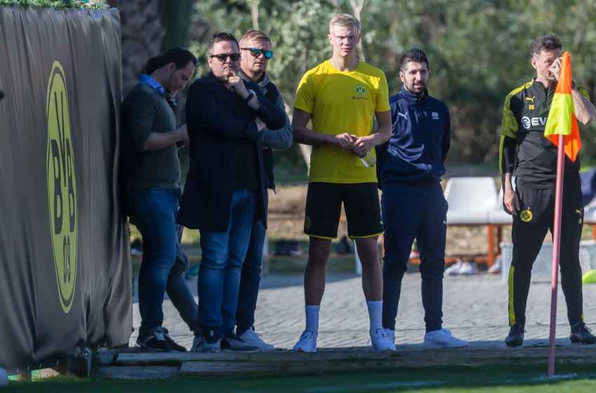MARBELLA, SPAIN - JANUARY 10: (BILD ZEITUNG OUT) Erling Braut Haaland of Borussia Dortmund and his father Alf-Inge Haaland looks on during day seven of the Borussia Dortmund winter training camp on January 10, 2020 in Marbella, Spain. (Photo by TF-Images/Getty Images)