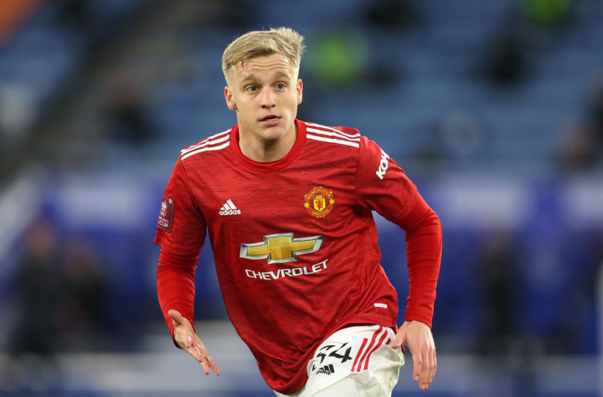 LEICESTER, ENGLAND - MARCH 21: Donny van de Beek of Manchester United during the Emirates FA Cup Quarter Final match between Leicester City and Manchester United at The King Power Stadium on March 21, 2021 in Leicester, England. Sporting stadiums around the UK remain under strict restrictions due to the Coronavirus Pandemic as Government social distancing laws prohibit fans inside venues resulting in games being played behind closed doors. (Photo by Marc Atkins/Getty Images)