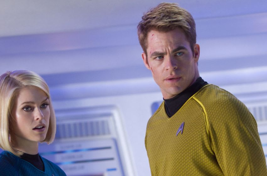 (Left to right) Alice Eve is Carol and Chris Pine is Kirk in STAR TREK INTO DARKNESS from Paramount Pictures and Skydance Productions.