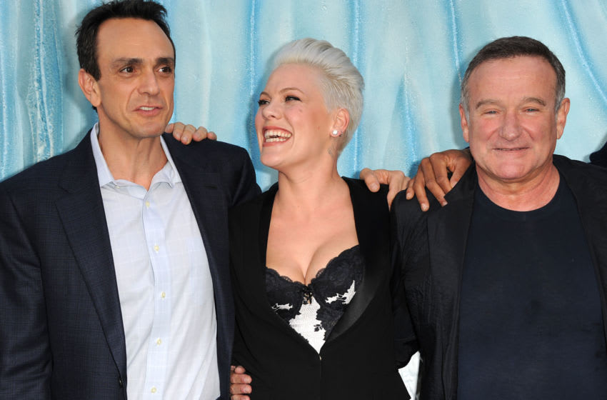 HOLLYWOOD, CA - NOVEMBER 13: (L-R) Actors Hank Azaria, Alecia Beth Moore, and Robin Williams attend the Premiere of Warner Bros. Pictures'