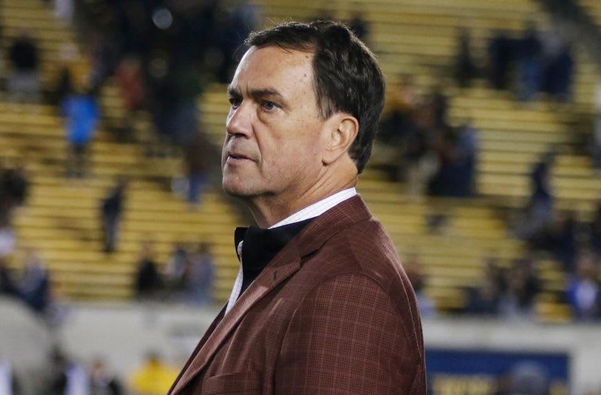USC football wants to go ahead with the Alabama season opener, according to Mike Bohn. (Alicia de Artola/Reign of Troy)