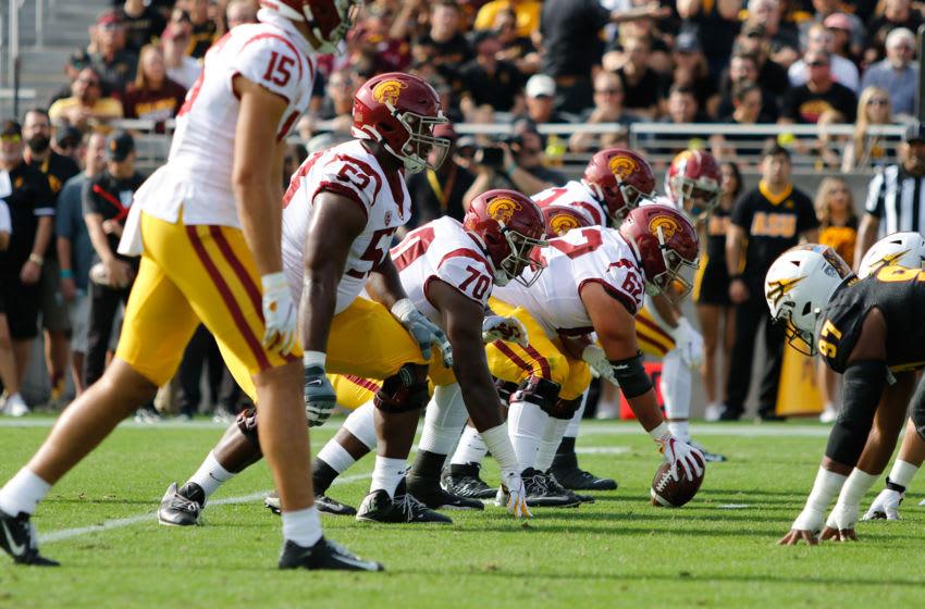 USC football offensive line (Alicia de Artola/Reign of Troy)