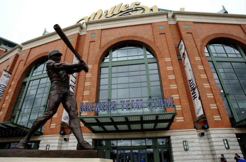 MILWAUKEE - JULY 1: A statue of Robin Yount statue stands outside Miller Park before a game between the New York Mets and the Milwaukee Brewers July 1, 2009 at Miller Park in Milwaukee, Wisconsin. (Photo by Jonathan Daniel/Getty Images)