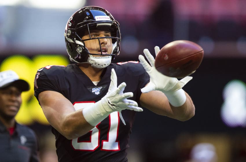 ATLANTA, GA - OCTOBER 27: Austin Hooper #81 of the Atlanta Falcons catches a pass prior to the start of the game against the Seattle Seahawks at Mercedes-Benz Stadium on October 27, 2019 in Atlanta, Georgia. (Photo by Carmen Mandato/Getty Images)