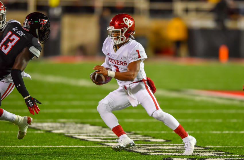 LUBBOCK, TX - NOVEMBER 03: Kyler Murray #1 of the Oklahoma Sooners finds running during the second half of the game against the Texas Tech Red Raiders on November 3, 2018 at Jones AT&T Stadium in Lubbock, Texas. Oklahoma defeated Texas Tech 51- 46. (Photo by John Weast/Getty Images)