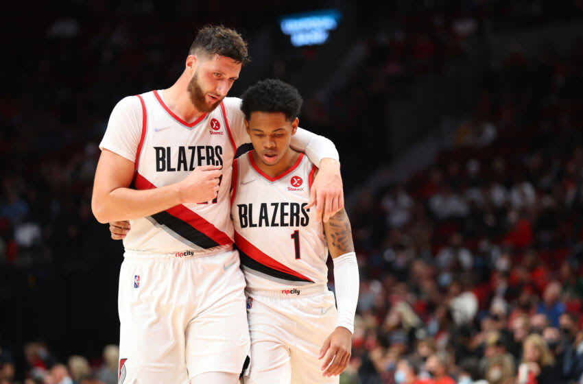 Jusuf Nurkic, Anfernee Simons, Portland Trail Blazers, Golden State Warriors, preseason game 1 (Photo by Abbie Parr/Getty Images)