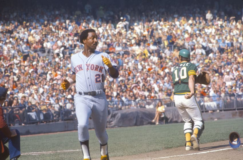 OAKLAND, CA - OCTOBER 1973: Cleon Jones #21 of the New York Mets scores against the Oakland Athletics during the World Series in October 1973 at The Oakland-Alameda County Coliseum in Oakland, California. The Athletics won the series 4-3. (Photo by Focus on Sport/Getty Images)