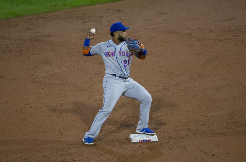 PHILADELPHIA, PA - SEPTEMBER 15: Robinson Cano #24 of the New York Mets throws the ball to first base against the Philadelphia Phillies at Citizens Bank Park on September 15, 2020 in Philadelphia, Pennsylvania. The Phillies defeated the Mets 4-1. (Photo by Mitchell Leff/Getty Images)