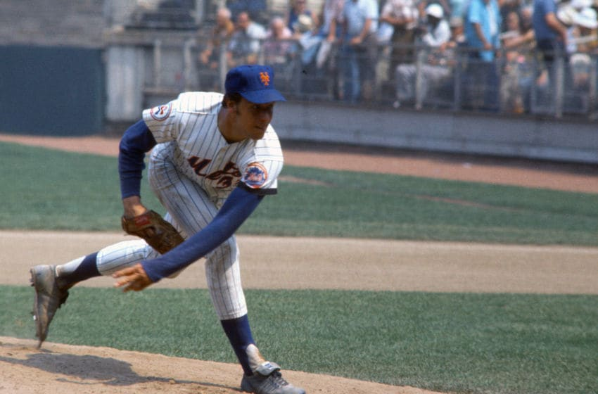 NEW YORK - CIRCA 1977: Jon Matlack #32 of the New York Mets pitches during an Major League Baseball game circa 1977 at Shea Stadium in the Queens borough of New York City. Matlack played for the Mets from 1971-77. (Photo by Focus on Sport/Getty Images)