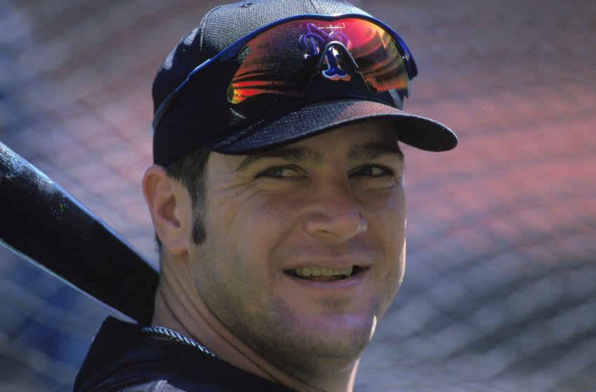 20 Aug 2000: A close-up of Todd Pratt #7 of the New York Mets at batting practice before the game against the Los Angeles Dodgers at Dodger Stadium in Los Angeles, California. The Mets defeated the Dodgers 9-6.Mandatory Credit: Jeff Gross /Allsport