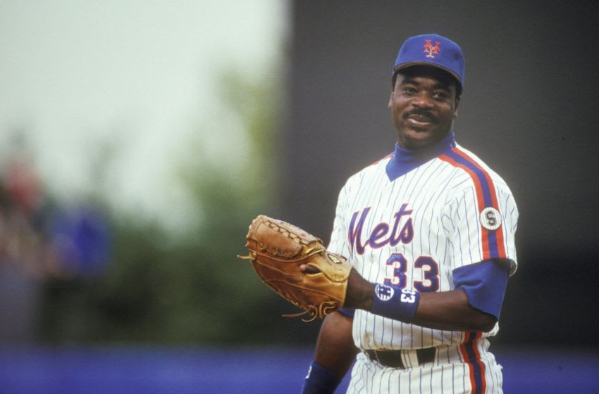 NEW YORK, NY - SEPTEMBER 1: Eddie Murray #33 of the New York Mets during a baseball game on September 1, 1992 at Shea Stadium in New York, New York. (Photo by Mitchell Layton/Getty Images)