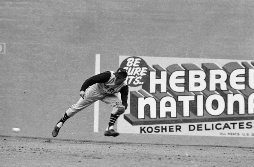 NEW YORK, NY - APRIL 13: Dick Groat #24 of the Pittsburgh Pirates fielding during a MLB game against the New York Mets on April 13, 1962 in New York, New York. (Photo by Herb Scharfman/Sports Imagery/Getty Images)