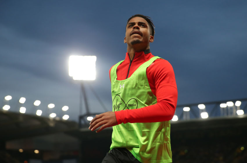 WATFORD, ENGLAND - APRIL 23: Mario Lemina of Southampton warms up during the Premier League match between Watford FC and Southampton FC at Vicarage Road on April 23, 2019 in Watford, United Kingdom. (Photo by Marc Atkins/Getty Images)