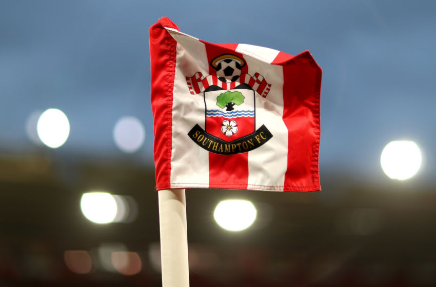 SOUTHAMPTON, ENGLAND - OCTOBER 25: The Corner flag is seen prior to the Premier League match between Southampton FC and Leicester City at St Mary's Stadium on October 25, 2019 in Southampton, United Kingdom. (Photo by Naomi Baker/Getty Images)