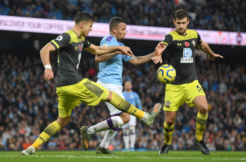 MANCHESTER, ENGLAND - NOVEMBER 02: Gabriel Jesus of Manchester City battles for possession with Jan Bednarek and Jack Stephens of Southampton during the Premier League match between Manchester City and Southampton FC at Etihad Stadium on November 02, 2019 in Manchester, United Kingdom. (Photo by Michael Regan/Getty Images)