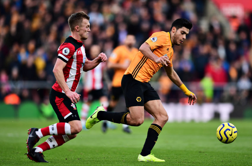 SOUTHAMPTON, ENGLAND - JANUARY 18: Raul Jimenez of Wolverhampton Wanderers is challenged by James Ward-Prowse of Southampton during the Premier League match between Southampton FC and Wolverhampton Wanderers at St Mary's Stadium on January 18, 2020 in Southampton, United Kingdom. (Photo by Alex Broadway/Getty Images)