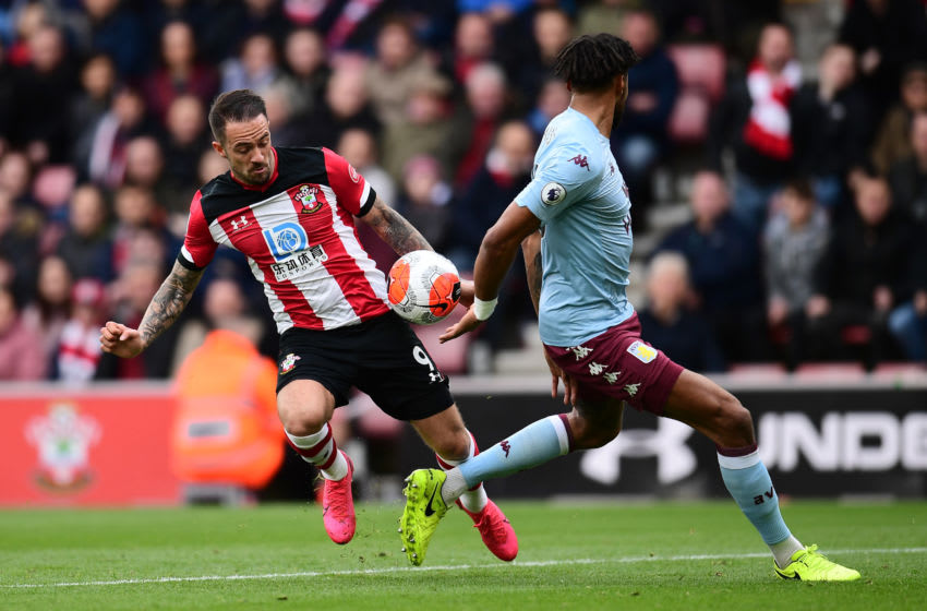 SOUTHAMPTON, ENGLAND - FEBRUARY 22: Danny Ings of Southampton battles for possession with Tyrone Mings of Aston Villa during the Premier League match between Southampton FC and Aston Villa at St Mary's Stadium on February 22, 2020 in Southampton, United Kingdom. (Photo by Alex Broadway/Getty Images)