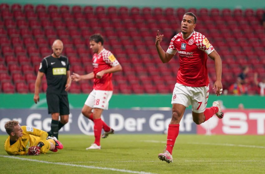 MAINZ, GERMANY - SEPTEMBER 11: Robin Quaison of 1.FSV Mainz 05 celebrates after scoring his team's fourth goal during the DFB Cup first round match between TSV Havelse and 1. FSV Mainz 05 at Opel Arena on September 11, 2020 in Mainz, Germany. (Photo by Christian Kaspar-Bartke/Getty Images)