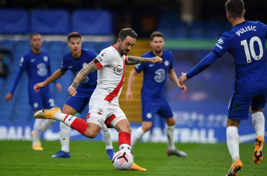 Southampton's English striker Danny Ings (C) prepares to shoot during the English Premier League football match between Chelsea and Southampton at Stamford Bridge in London on October 17, 2020. (Photo by Ben STANSALL / POOL / AFP) / RESTRICTED TO EDITORIAL USE. No use with unauthorized audio, video, data, fixture lists, club/league logos or 'live' services. Online in-match use limited to 120 images. An additional 40 images may be used in extra time. No video emulation. Social media in-match use limited to 120 images. An additional 40 images may be used in extra time. No use in betting publications, games or single club/league/player publications. / (Photo by BEN STANSALL/POOL/AFP via Getty Images)