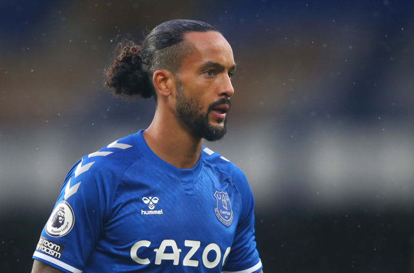 LIVERPOOL, ENGLAND - OCTOBER 03: Theo Walcott of Everton looks on during the Premier League match between Everton and Brighton & Hove Albion at Goodison Park on October 03, 2020 in Liverpool, England. Sporting stadiums around the UK remain under strict restrictions due to the Coronavirus Pandemic as Government social distancing laws prohibit fans inside venues resulting in games being played behind closed doors. (Photo by Alex Livesey/Getty Images)