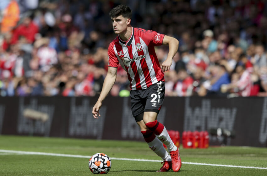 SOUTHAMPTON, ENGLAND - AUGUST 22: Tino Livramento of Southampton during the Premier League match between Southampton and Manchester United at St Mary's Stadium on August 22, 2021 in Southampton, England. (Photo by Robin Jones/Getty Images )