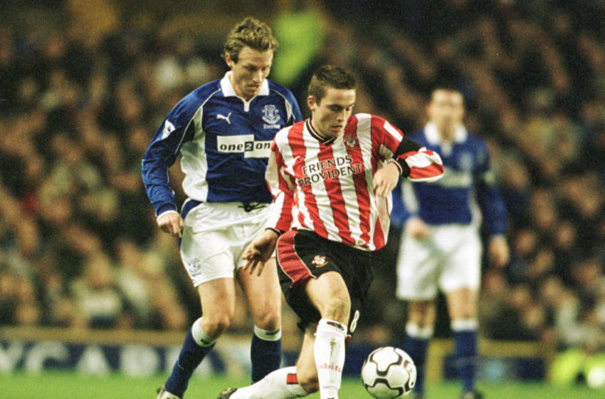 2 Dec 2001: Matt Oakley of Southampton slips past Scot Gemmill of Everton during the FA Barclaycard Premiership match between Everton and Southampton at Goodison Park, Liverpool. Mandatory Credit: Mark Thompson/ALLSPORT