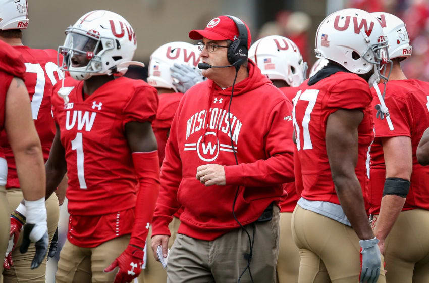 MADISON, WISCONSIN - SEPTEMBER 28: Head coach Paul Chryst of the Wisconsin Badgers meets with his team in the first quarter against the Northwestern Wildcats at Camp Randall Stadium on September 28, 2019 in Madison, Wisconsin. (Photo by Dylan Buell/Getty Images)