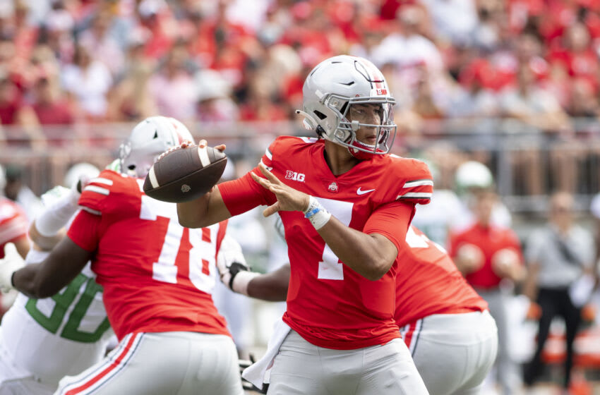 COLUMBUS, OH - SEPTEMBER 11: Quarterback C.J. Stroud #7 of the Ohio State Buckeyes looks for an open receiver during the Buckeyes game against the Oregon Ducks at Ohio Stadium on September 11, 2021 in Columbus, Ohio. (Photo by Gaelen Morse/Getty Images)