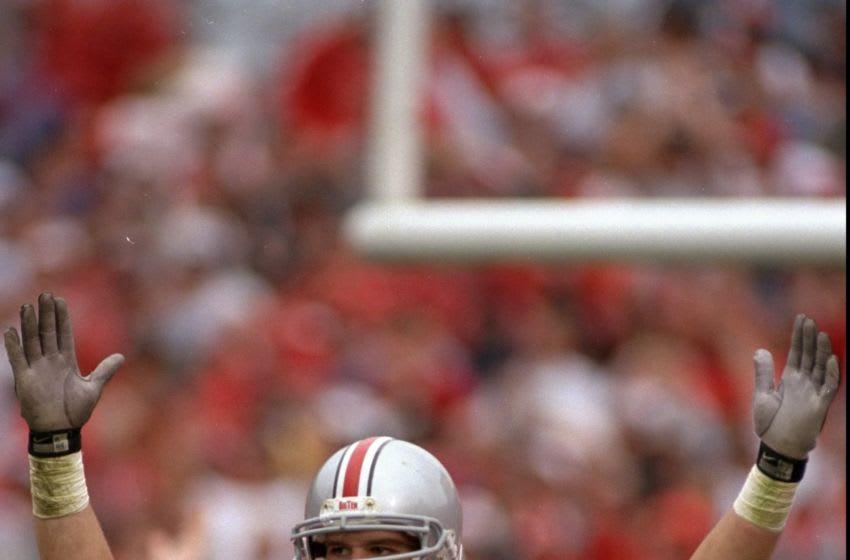 20 Sep 1997: Linebacker Andy Katzenmoyer of the Ohio State Buckeyes in action against the Arizona Wildcats during a game at Ohio Stadium in Columbus, Ohio. Ohio State defeated Arizona 28-20. Mandatory Credit: Rick Stewart /Allsport