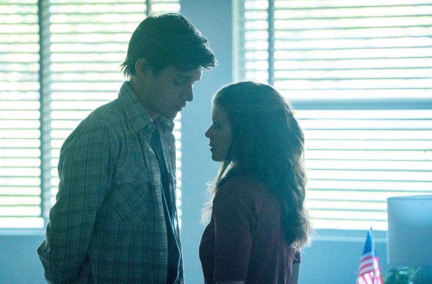 A TEACHER Episode 2 -- Pictured: (l-r) Nick Robinson as Eric Walker, Kate Mara as Claire Wilson. CR: Chris Large/FX
