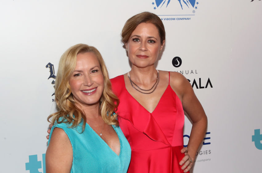 BEVERLY HILLS, CALIFORNIA - SEPTEMBER 28: Angela Kinsey (L) and Jenna Fischer attend Thirst Project's 10th Annual Thirst Gala at The Beverly Hilton Hotel on September 28, 2019 in Beverly Hills, California. (Photo by David Livingston/Getty Images)
